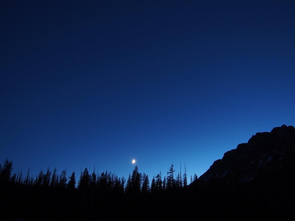 Alpine moon